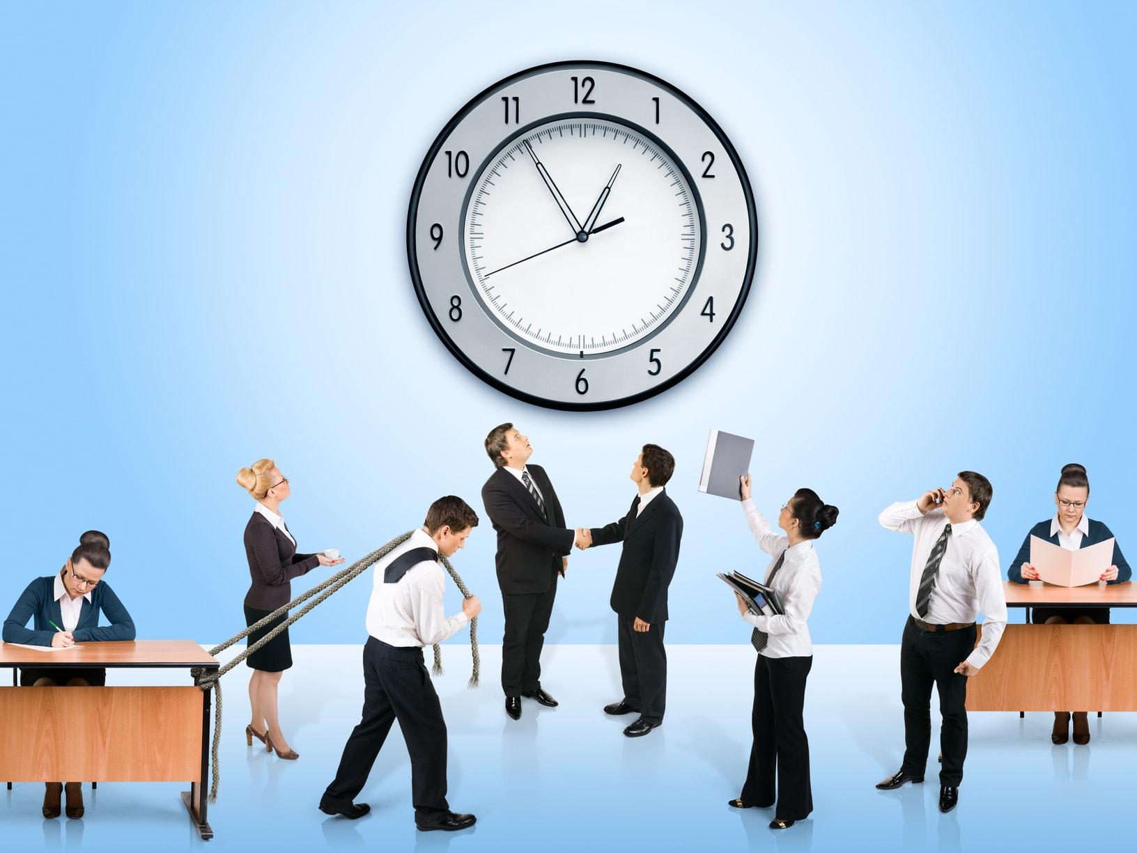 Είναι νόμιμοι όροι στις συβάσεις εργασίας που καθιστούν υπεύθυνους τους εργαζόμενους για την τήρηση του ωραρίου;